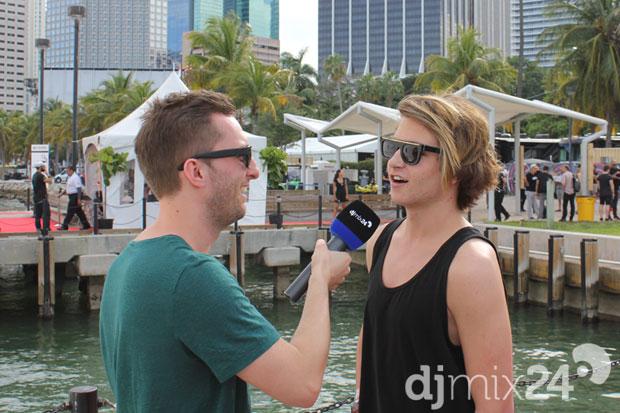Danny Avila im Gespräch mit djmix24-Kollegen Dominik.